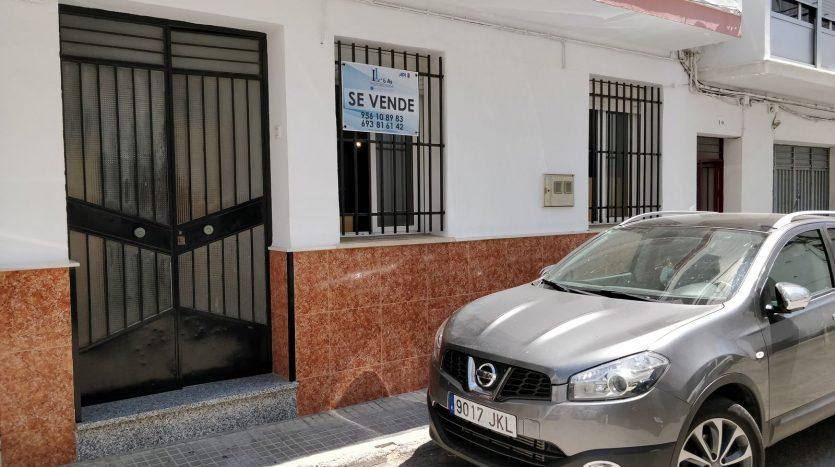 Piso en Ubrique, calle Zurbarán, Bajo.